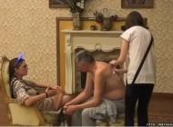 OPUSTILI SE PRED KAMERAMA Milojko (74) skinuo majicu, a Milijana (21) odmah počela OVO DA MU RADI